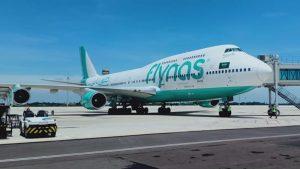 Pesawat Berbadan Lebar Boeing 747 Sukses Mendarat Perdana di Kertajati